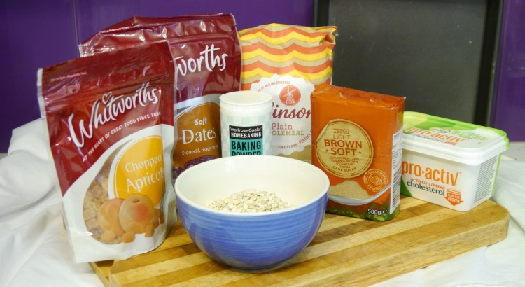 HedonisticDiabetic Date and Apricot Bar Ingredients (2)